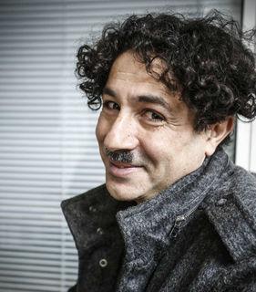 """Wenn nicht als Charly Chaplin im Europa-Parkt, ist er unter dem Künstlernamen """"Albert de Paris"""" in Deutschland, Frankreich oder der Schweiz unterwegs."""