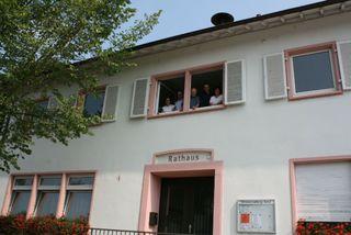 Drei leerstehende Wohnungen im Sander Rathaus sollen für die Unterbringung von Flüchtlingen saniert werden.