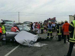 Bei einem schweren Unfall auf der B36 zwischen Altenheim und Goldscheuer war ein 48-jähriger Mann frontal mit einem entgegenkommenden Audi zusammengestoßen.