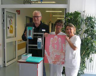 Hygieneteam im Ortenau Klinikum Achern (von links): Dr. Dieter Auer, ärztlicher Leiter der Klinikhygiene am Ortenau Klinikum, und die Hygienefachkräfte Carola Leveque und Anita Uska.