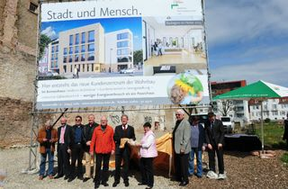 Auch energetisch zukunftsweisend: Am Goethe-Brunnen entsteht das Sonnenhaus als Sitz der Städtischen Wohnbau.