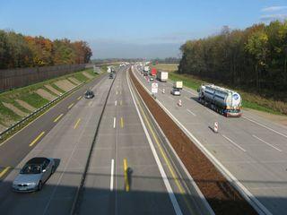 Am Mittwochvormittag wurde die Freigabe für den neuen Autobahn-Teilabschnitt auf 5,46 Kilometer Länge erteilt.