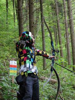 Ein Berghauptener Bogenschütze beim Jagdturnier in Horb am Neckar.