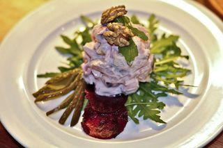 Auch als Salat mit Roter Bete kommt der Hering gerne auf den Teller.