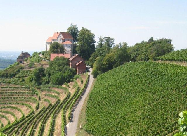 Schloss Staufenberg ist heute im Besitz der Markgrafen von Baden. Es wurde im 11. Jahrhundert von den Zähringern erbaut, seit dem
