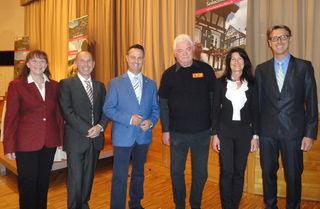 Stellten sich den rund 700 Zuhörern im Sasbachwaldener Kurhaus vor (von links): Monika Lang, Dirk Dufner, Roland Fischer, Alfred Wilhelm, Sonja Schuchter und Thomas Krieg.