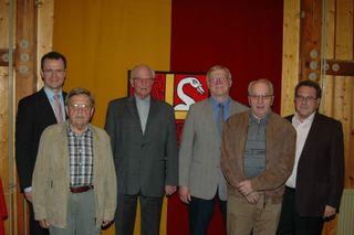 Vor 40 Jahren schlossen sich Willstätt und Hesselhurst zusammen: Bürgermeister Marco Steffens, Heinz Bär, Willi Reimer, Eugen Sester, Edwin Walter und Alt-Bürgermeister Artur Kleinhans.
