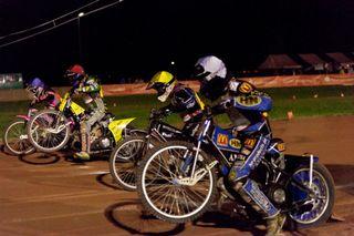Packende Rennen beim Endlauf um die deutsche Speedway-Meisterschaft.