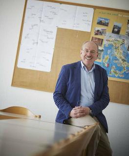 Günter Fröhlich – noch wenige Tage Leiter der VHS Ortenau mit Sitz in Oberachern – wird der Erwachsenenbildung auch im Ruhestand noch als Ausbilder der Weinguides erhalten bleiben.
