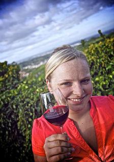 Larissa Stäbler lebt für den Wein – sie war die Ortenauer Weinprinzessin 2011/2012 und ist noch Badische Weinprinzessin.