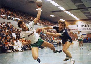 Der gefürchtete Linkshänder wurde 1978 Weltmeister und gewann bei Olympia 1984 Silber.
