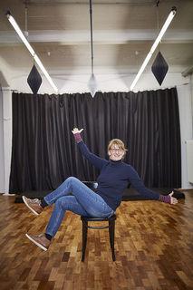 Theater ist ihre große Leidenschaft – Ruth Dilles ist Schauspielerin, Regisseurin, Sängerin und schreibt auch eigene Texte.