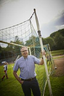 """Ein """"Full-Time-Job"""": Jugendleiter Stefan Wölfle beim Training von Fußball-Kids des über 350 Kinder und Jugendliche zählenden Sportclubs Lahr."""