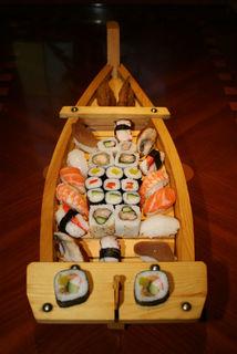 """Ein Schiff voller Genuss: Sushi im Restaurant """"Friends"""" in Offenburg-Bühl."""