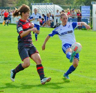 Für Christine Veth (rechts) ist die Bundesliga heute mit der vor Jahren nicht mehr zu vergleichen.