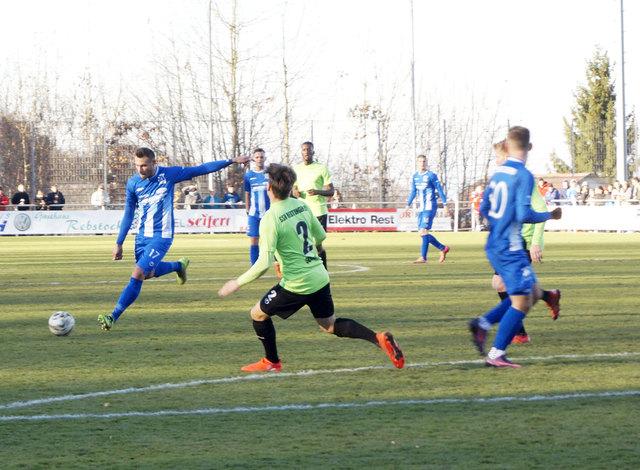 Der SV Oberachern verlor das erste Spiel nach der Winterpause in Neckarsulm knapp mit 1:2.