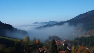 Nebelschwaden ziehen von Seebach ins Achertal