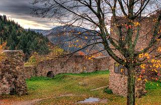Schauenburg: Auf der Schauenburg zeigt sich der Herbst in seiner vollen Pracht.