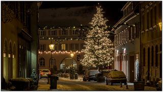 Verschneites Ettenheim im Weihnachtszauber.