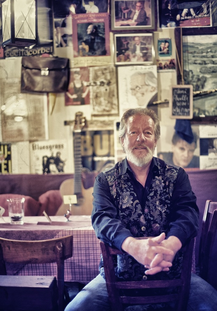 Seit 30 Jahren bietet Martin Schütt in seinem alten Bauernhaus in Rheinau-Freistett eine besondere Kleinkunstbühne.