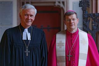 Zum Reformationsjubiläum gemeinsam für die evangelische und katholische Kirchen unterwegs: Landesbischof Jochen Cornelius-Bundschuh (links) und Erzbischof Stephan Burger