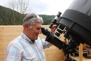 Franz Schmalz von der Wetter- und Sternwarte in Wolfach hat das Wetter fest im Blick.