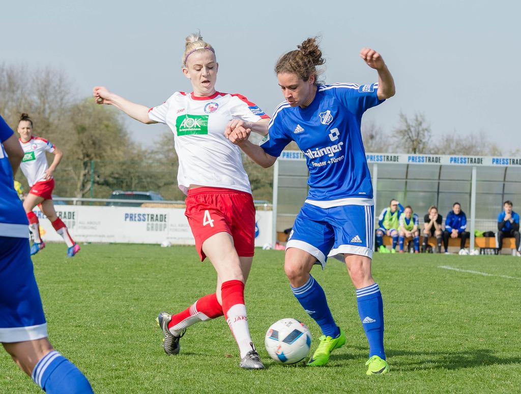 Mit drei Toren schoss Nina Burger den SC Sand fast im Alleingang ins DFB-Pokalfinale am 27. Mai in Köln.