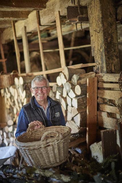 Als 1983 der Schwiegervater starb, betrieb Willi Kohler dessen Sägewerk noch einige Jahre weiter. Heute lagert darin Brennholz.