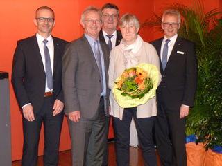 Von links: Vorstand Oliver Broghammer, Xaver Halter, Aufsichtsratsvorsitzender Karl-Otto Bonath, Xaver Halters Ehefrau Margareta und Vorstandssprecher Martin Heinzmann