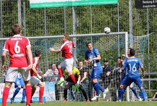 Der SV Oberachern behielt im Oberliga-Derby die Oberhand, schlug den Offenburger FV klar mit 3:0 und schickt diesen damit wieder zurück in die Verbandsliga Südbaden.