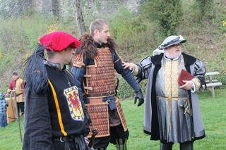 """Armbrustschießen, Schwertduelle und Ritterkämpfe gibt es bei """"Burg erleben"""" an jedem ersten Sonntag im Monat zu sehen."""