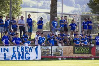 Die Fans des TuS Durbach feuerten ihre Mannschaft beim ersten Relegationsspiel in Kirchzarten lautstark an.