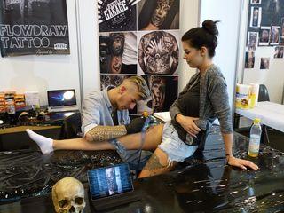 """Über 100 internationale Tätowierer, die live vor Ort tätowieren werden, sind bei der """"Tattoo & Art Show Offenburg""""."""