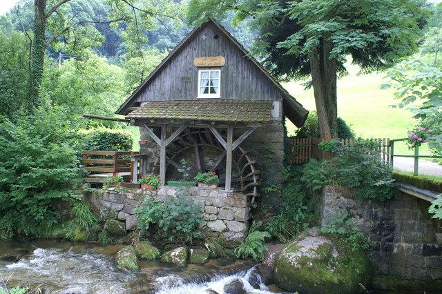 Am Pfingstmontag lädt der Mühlenrundweg Ottenhöfen wieder mit einem abwechslungsreichen Programm zum Deutschen Mühlentag ein. Auch die Mühle am Rain hat ab 10.30 Uhr viel zu bieten.