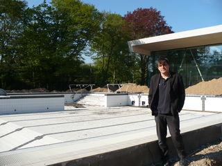 Bad-Geschäftsführer Stefan Schürlein freut sich, dass ein Teil des alten Baumbestandes erhalten werden konnte.