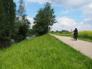 Mit dem Fahrrad geht es nach Frankreich.