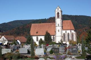 Die Hausacher Friedhofsanlage bei der alten Dorfkirche