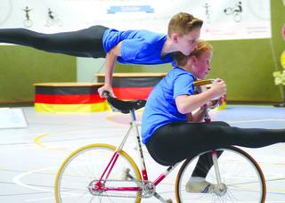 Mario Stevens und Lena Moser belegten bei den Deutschen Schülermeisterschaften in Augustdorf einen hervorragenden fünften Platz in der offenen Zweier-Klasse.