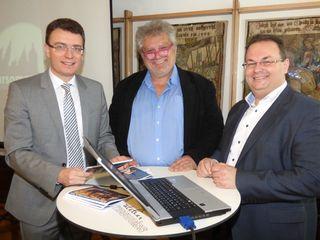Unser Archivfoto zeigt den Gengenbacher Bürgermeister und neuen WRO-Aufsichtsratsvorsitzenden bei der Vorstellung des Programms des Gengenbacher Kultursommers mit  Thorsten Erny (l.) mit  Programm-Chef Gerd Birsner und Lothar Kimmig (r.) von der Kultur- und Tourismus GmbH.