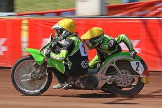 Derzeit auch auf der Speedwaybahn nicht zu schlagen: das MSC-Gespann Raphael San Millan mit Beifahrer Benedikt Zapf