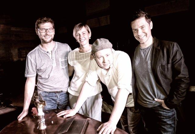 """Hannes Schmidt, Anne Schmidt-Heinrich, Carsten Dittrich und Ralf Brandstetter präsentieren """"Romeo & Julia"""" in Durbach."""