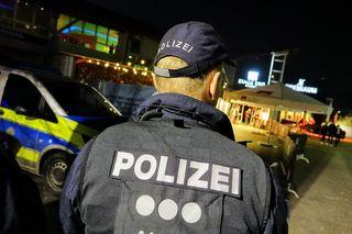 Ausnahmezustand im Industriegebiet West am 11. März: Die Polizei räumt eine Diskothek aufgrund eines befürchteten Anschlags. Der Täter steht jetzt vor Gericht.
