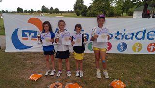 Die Gewinner der AK 9 Mädchen: Laetitia Leisinger, Emilia Briem, Jona-Marie Heinze und Katharina Kolb (v.l.n.r.)