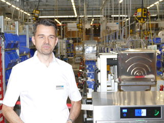 Produktionsleiter Christoph Homburger gewährte einen Blick in die modernen Produktionsanlagen.