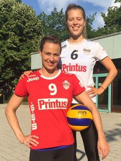Lisa Solleder (links) und Franziska Fried stehen auch in der kommenden Saison im Aufgebot des VC Offenburg.