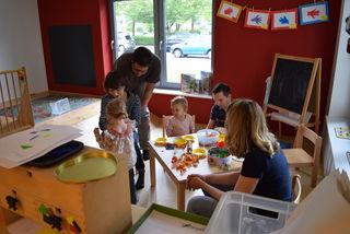 Die Kleinen zeigten ihren Eltern einen ganz typischen Tag in der Kindertagesstätte St. Nikolaus.