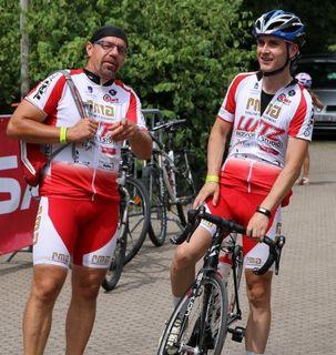 Die Mitglieder der Jedermann-Gruppe, Ralf Walter (links) und Manuel Braun, des Radsport-Teams Lutz starteten beim RTF-Klassiker des RSV Falkenfels Bühlertal.