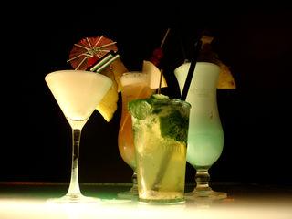 Kühle Drinks sind ideal an einem warmen Sommerabend und eine Augenweide.