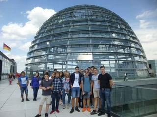 15 Offenburger Jugendliche besuchten Berlin, den Reichstag und andere Sehenswürdigkeiten. Foto: Buntes Haus