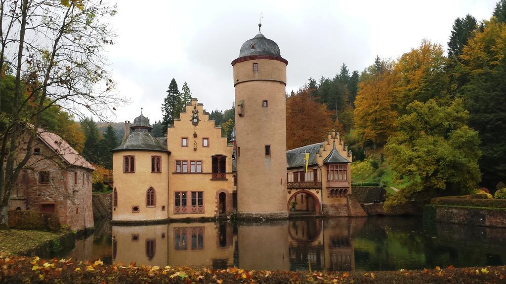 "Schloss Mespelbrunn – ""Das Wirtshaus im Spessart"""